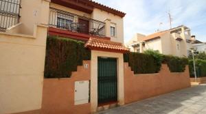 Apartament z ogrodem na Playa Flamenca