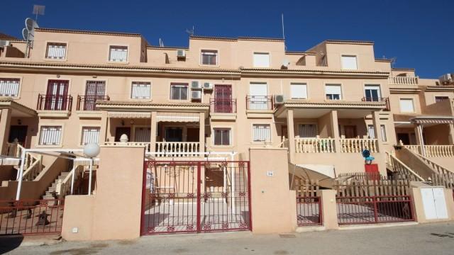 Dom szeregowy Orihuela Costa na Playa Flamenca