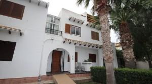Dom szeregowy Cabo Roig od strony plaży
