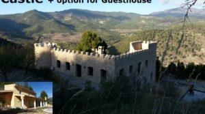 Hiszpański zamek z opcją na guesthouse
