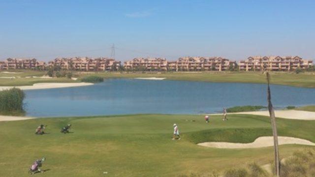 Wynajem apartamentu przy polu golfowym