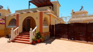 Dom z basenem w Balsicas